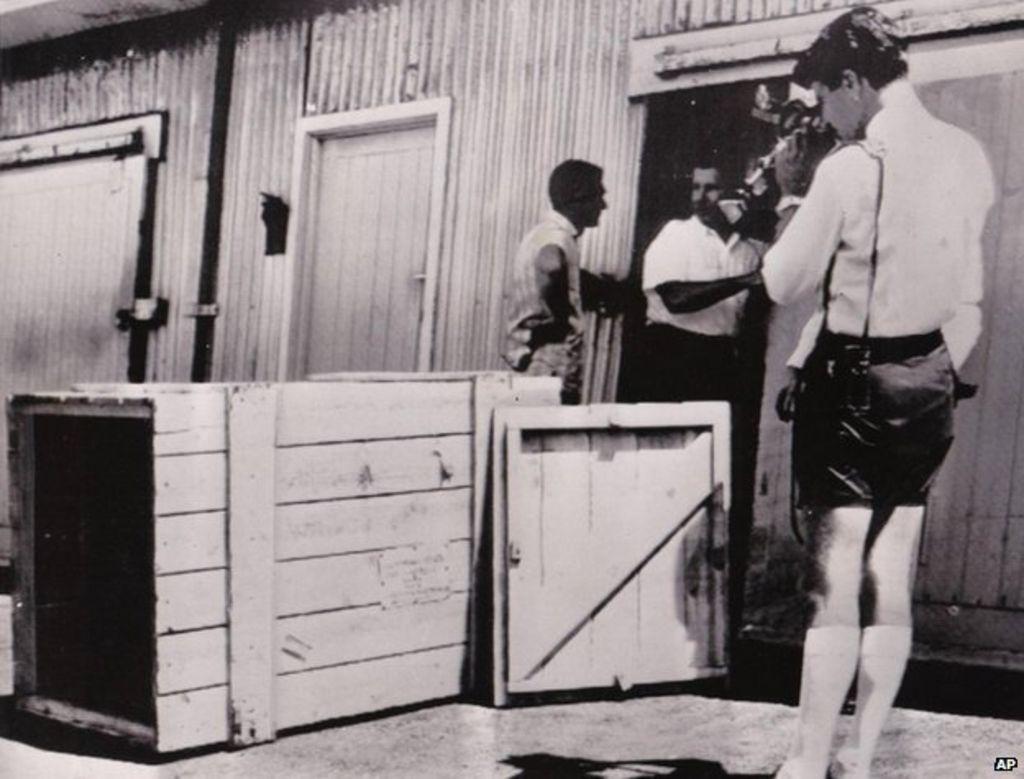 Редж Спирс мужик который отправил себя по почте в Австралию отвратительные мужики disgusting men